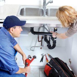 Неприятный запах на кухне и в ванной из канализационных труб