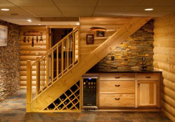 Как заполнить пространство под лестницей