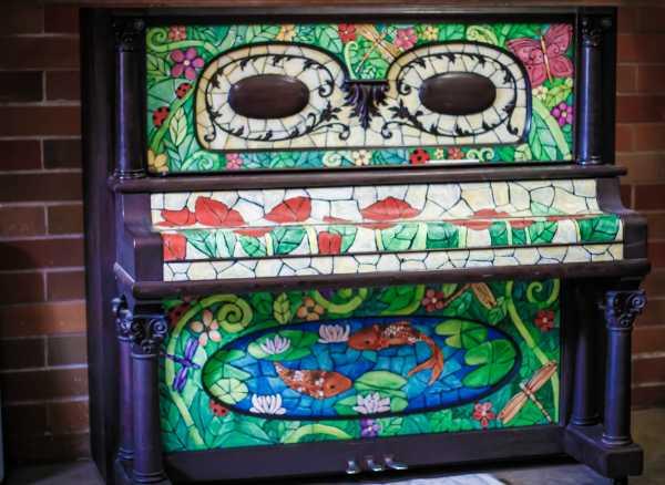 Идеи украшения пианино