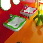Отделка ванной для детей с «LAUFEN» коллекция «Florakids»