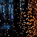 Широкий выбор новогодних украшений. Монтаж гирлянд в Санкт-Петербурге