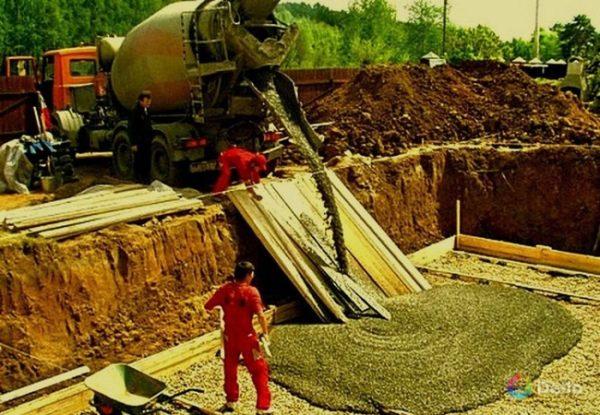 Бетонные работы. Электрическая плавающая виброрейка для укладки бетона на 220в