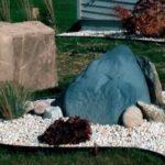 Декор для сада. Искусственные камни на люки