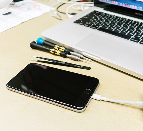 Замена батареи в iPhone - почему нужно выбирать оригинал?