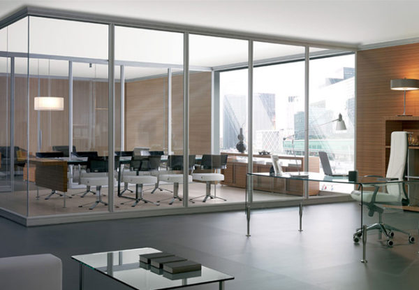 Тонировка окон и офисных перегородок премиальными брендами
